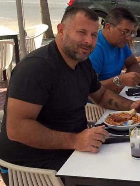 Former footballer Javi Moreno eating lunch.